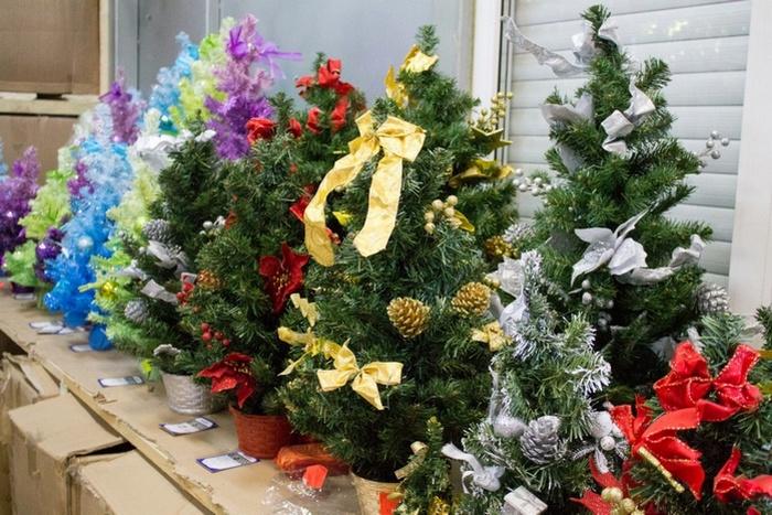 Какая елка лучше искусственная или живая?